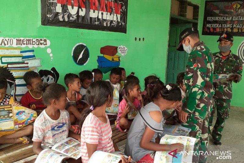 Satgas Yonarmed 3/105 bentuk Taman Baca untuk anak-anak perbatasan