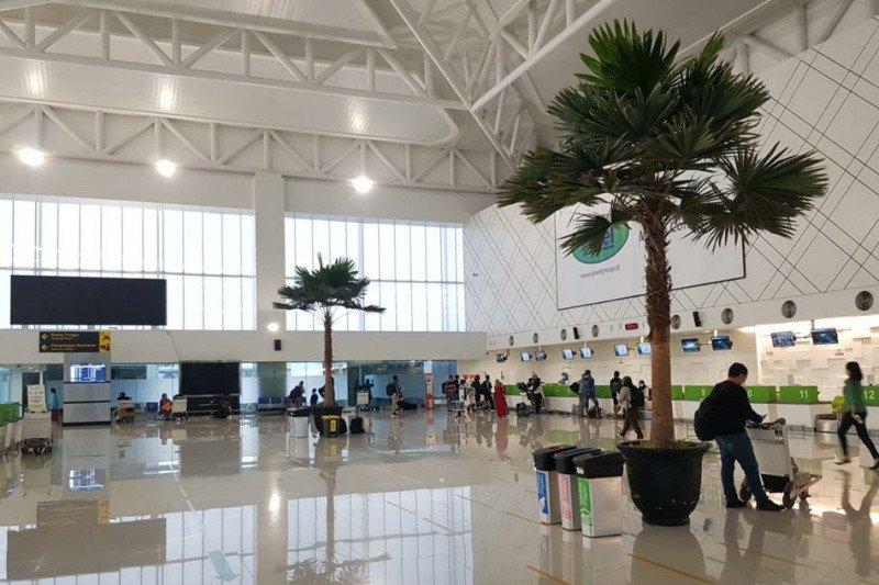 Tujuh penerbangan Bandara Semarang ditunda akibat banjir yang merendam landasan pacu