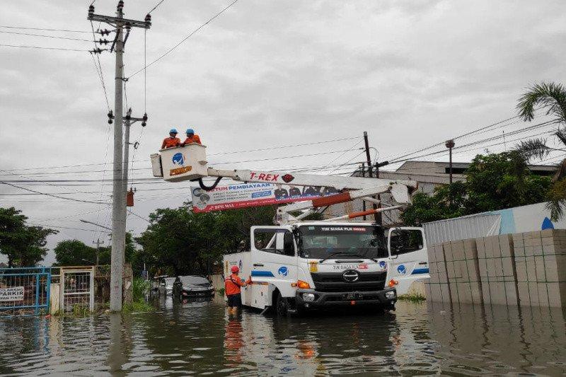 PLN berhasil pulihkan sebagian listrik di Semarang