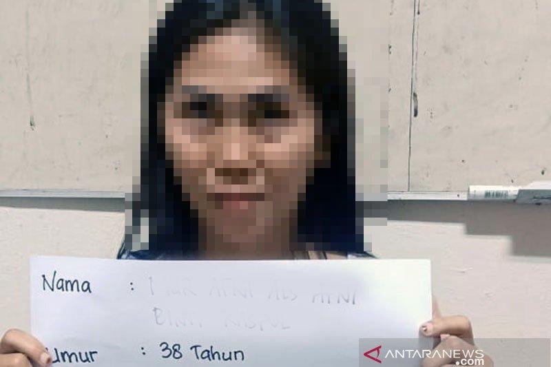 Sembunyikan sabu dalam bra dan pembalut, wanita 38 tahun tak berkutik saat ditangkap
