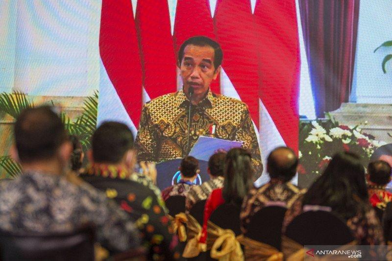 Presiden Jokowi: Pedagang pasar, sektor jasa bisa segera divaksin COVID-19