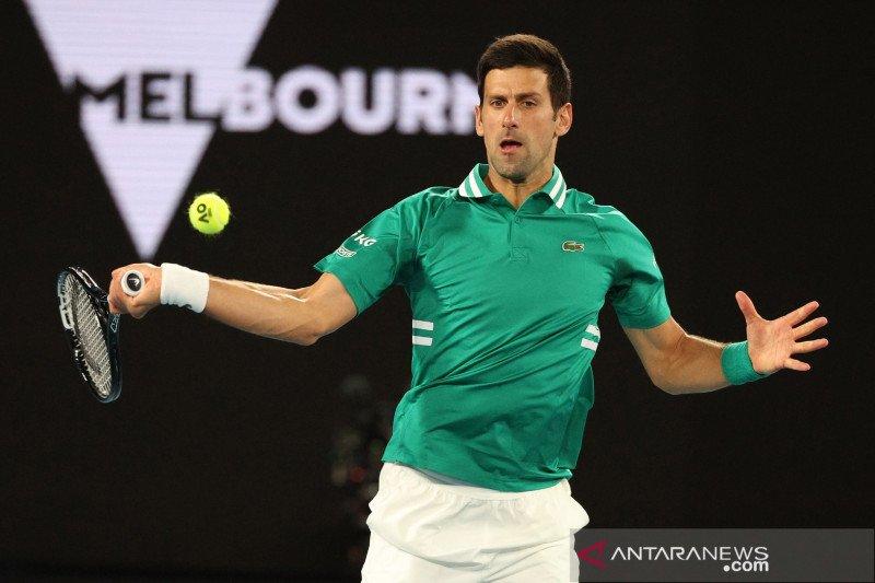Meski cidera, Djokovic maju ke perempat final