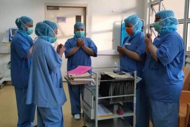 Malaysia gratiskan vaksin COVID-19 untuk WNA