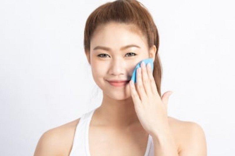 Tips hilangkan kilau minyak pada wajah