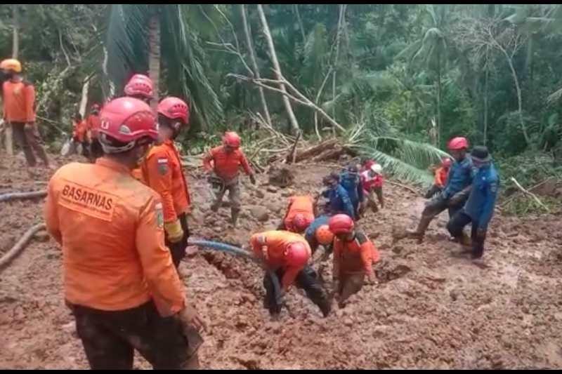 Seorang korban tanah longsor di Kebumen belum ditemukan