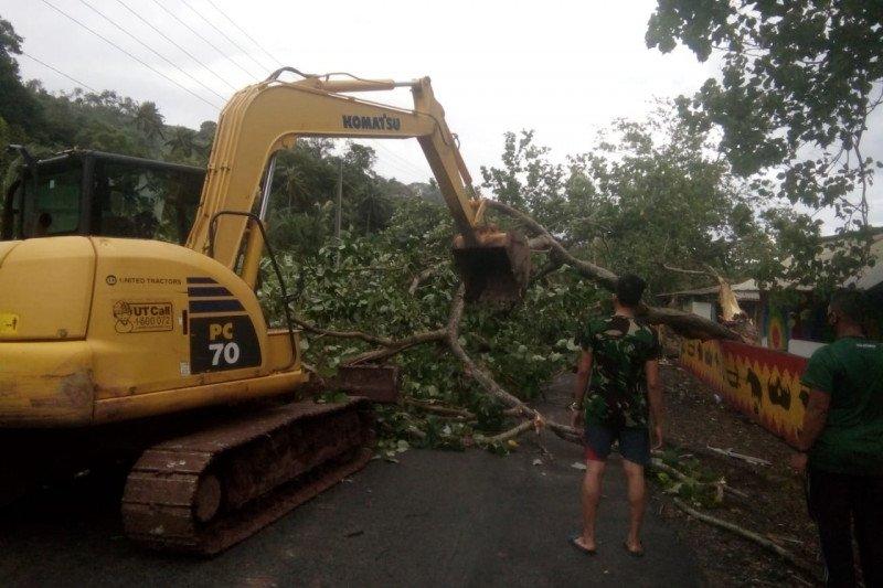 BPBD Kota Bandarlampung ingatkan masyarakat waspadai cuaca buruk