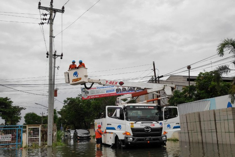 PLN berhasil pulihkan listrik di Semarang 100 persen