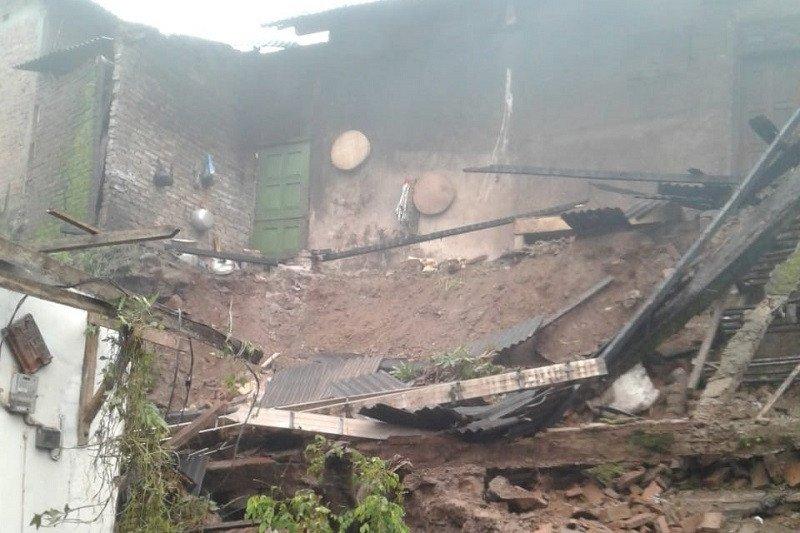 Longsor di Jepara akibatkan dua rumah rusak
