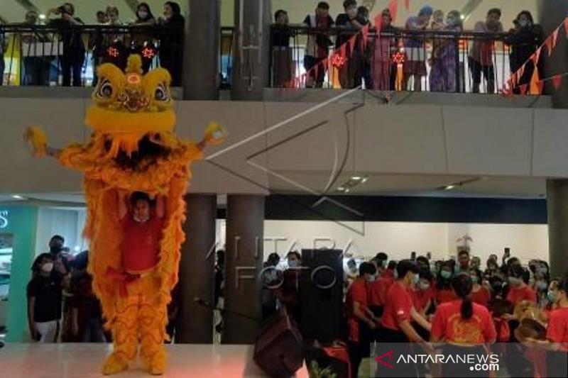 Pertunjukan Barongsai dan Naga Liong pada Hari Valentine