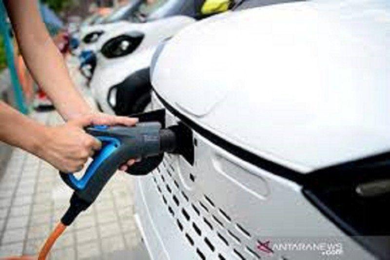 Menteri ESDM: Pemerintah bangun 122 stasiun isi daya kendaraan listrik hingga April