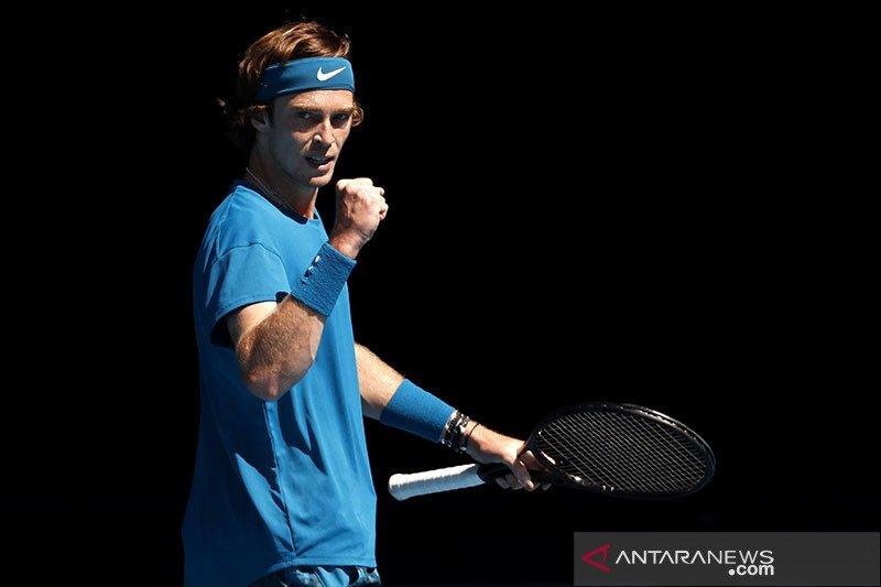 Petenis Rusia Rublev singkirkan Nadal di perempat final Monte Carlo Masters