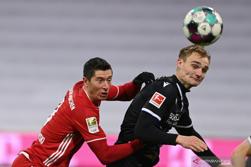 Bayern tahan imbang Arminia 3-3