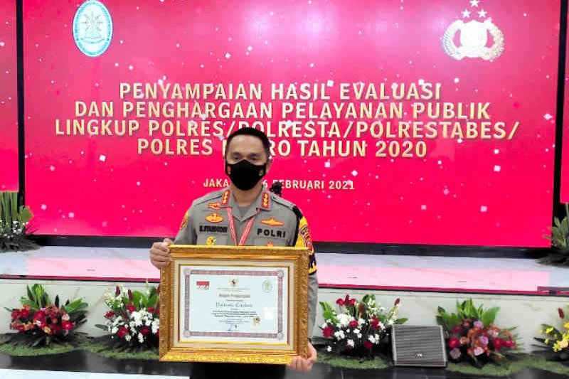 Polresta Cirebon dapat penghargaan pelayanan prima dari Kemenpan RB