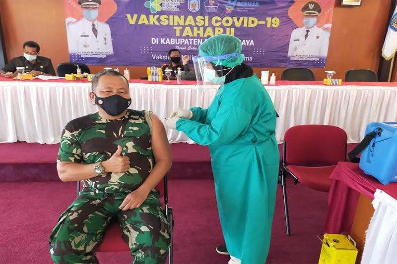 Terima vaksin kedua, Kasdim Muara Teweh tetap sehat