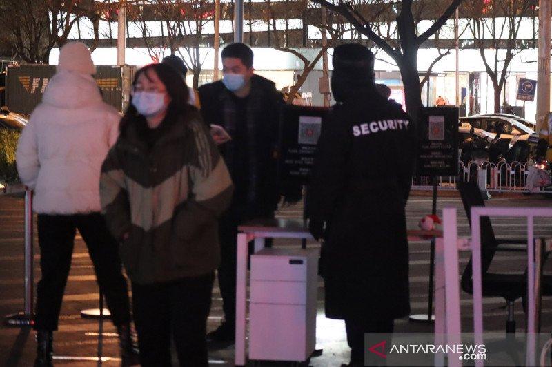 China berlakukan tes usap anal bagi wisatawan