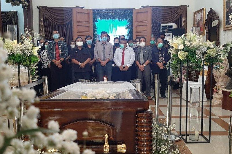 Pemkab Mitra putuskan Jalan Ratatotok-Tombatu dinamai SH Sarundajang