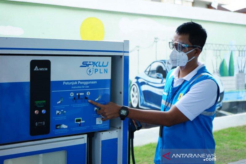PLN Suluttenggo memberi kemudahan pengguna kendaraan listrik
