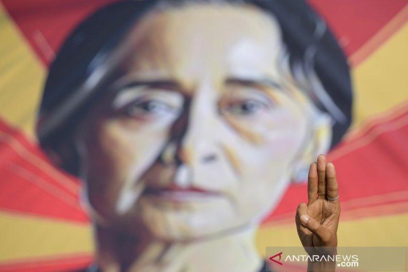 Junta Myanmar kini buka kasus korupsi baru terhadap Suu Kyi