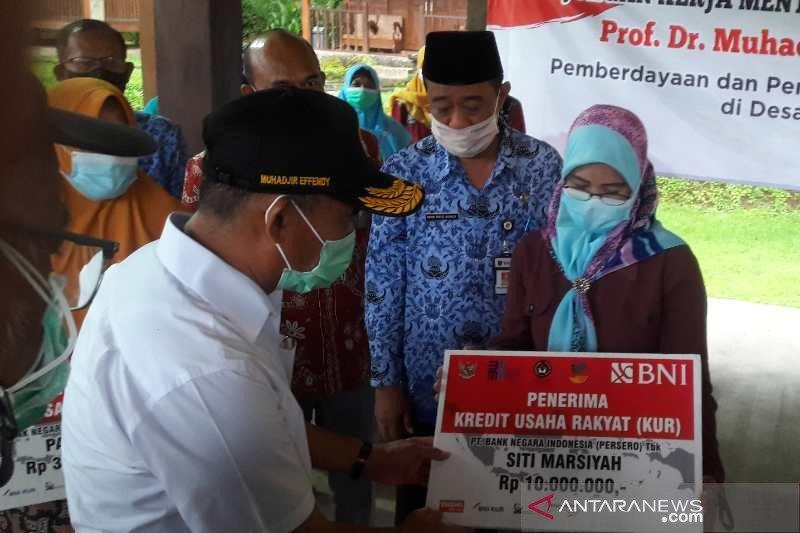 Menko PMK Muhadjir: PKH bansos paling efektif entaskan kemiskinan
