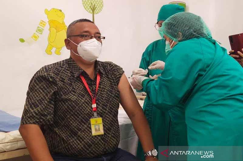30 persen tenaga kesehatan di Bartim ikut vaksinasi COVID-19 tahap II