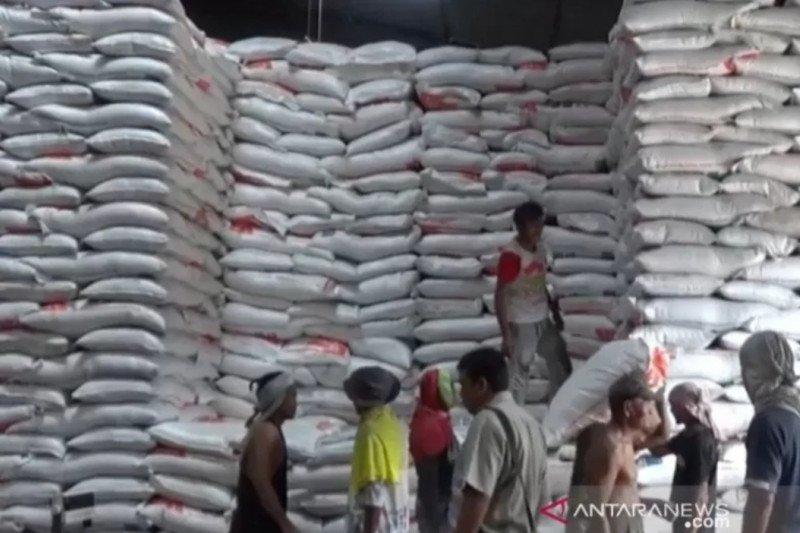 Stok beras di Tanjungpinang selama empat bulan mendatang