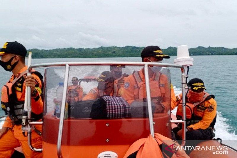 Tim SAR belum menemukan nelayan hilang dihantam ombak di Pulau Kaledupa