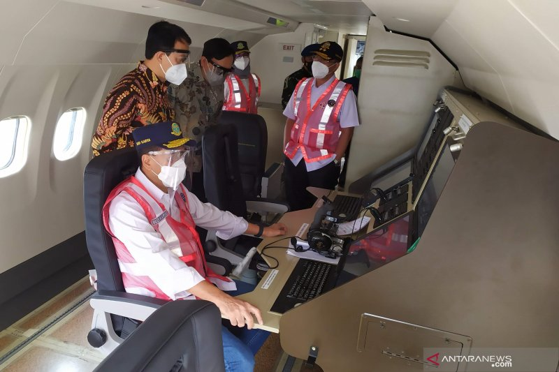 Menhub tinjau pesawat CN-235 produk PTDI yang akan dikirim ke Senegal