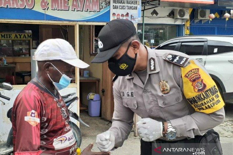 Peran Bhabinkamtibmas Kampung Tangguh Papua masa pandemi