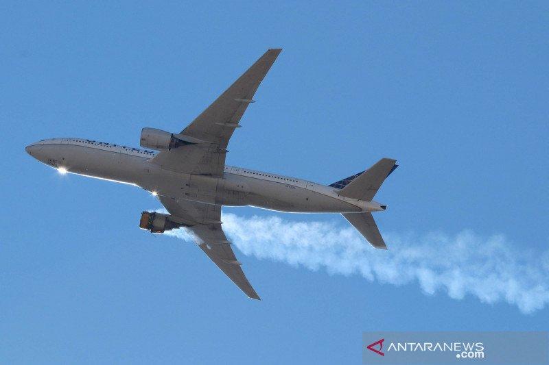 Mesin rusak, pesawat Boeing 777 milik United Airlines mendarat selamat