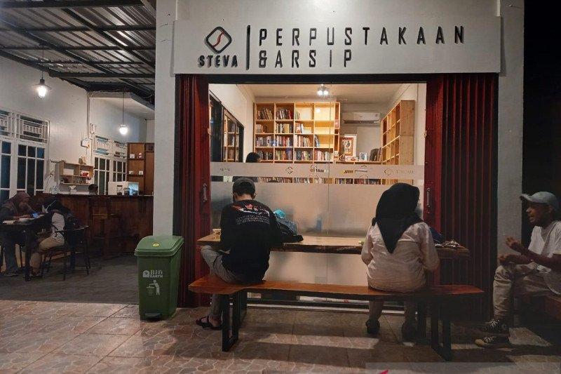 Pustaka Steva, tentang buku, perpustakaan dan ruang literasi