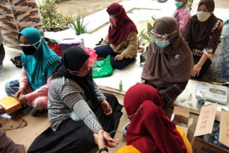 FKM UI edukasi penanganan penderita hipertensi warga Kota Depok