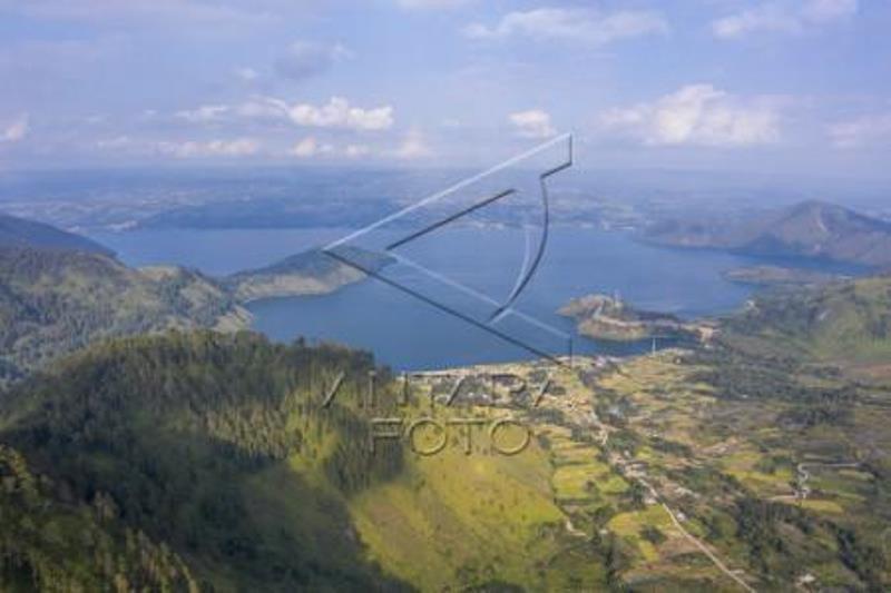 Wisata Menara Padang Tele Danau Toba