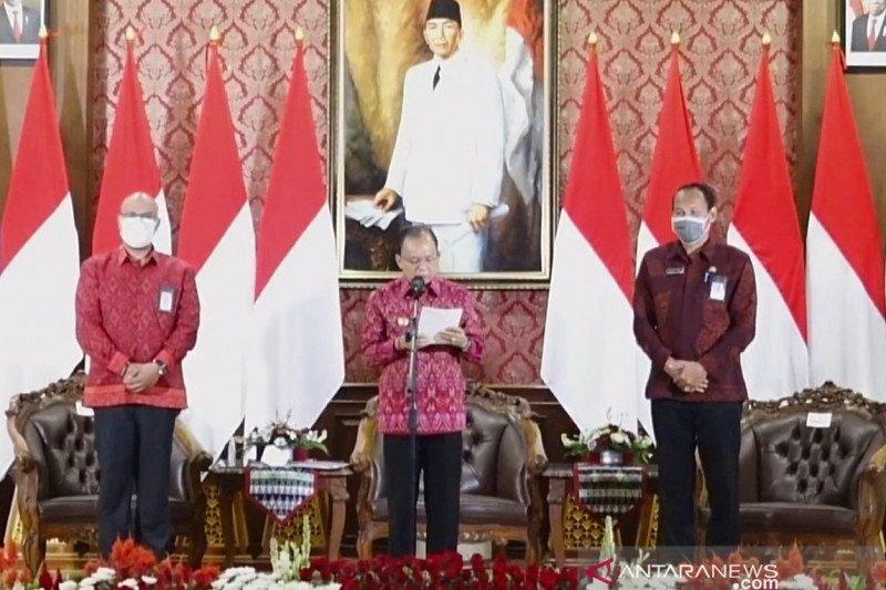 Gubernur Bali resmikan  kain tenun endeki wajib digunakan setiap Selasa