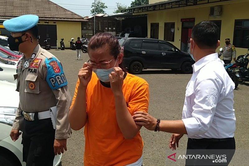 Ibu rumah tangga pengedar sabu di Cianjur ditangkap polisi