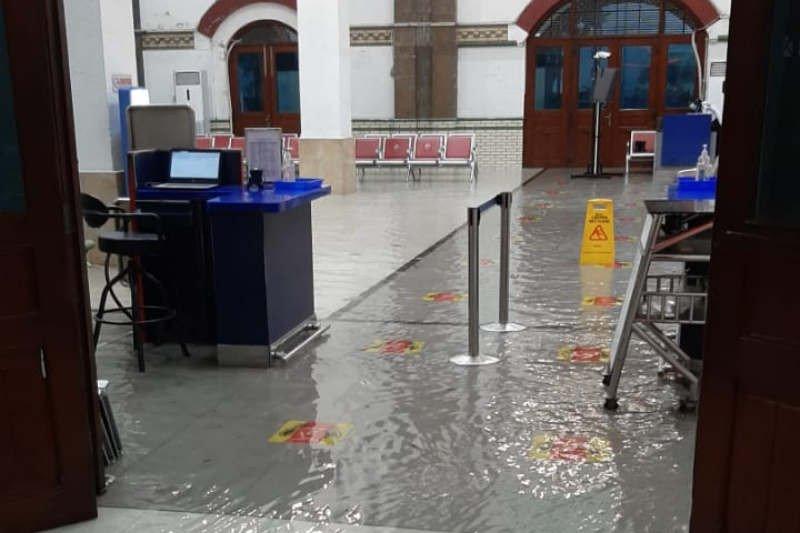 Stasiun Tawang Semarang kembali terendam banjir
