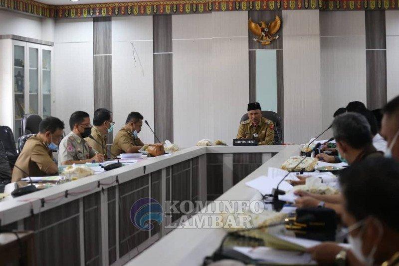 Bupati Lampung Barat ajak Forkopimda edukasi masyarakat tentang bahaya COVID-19