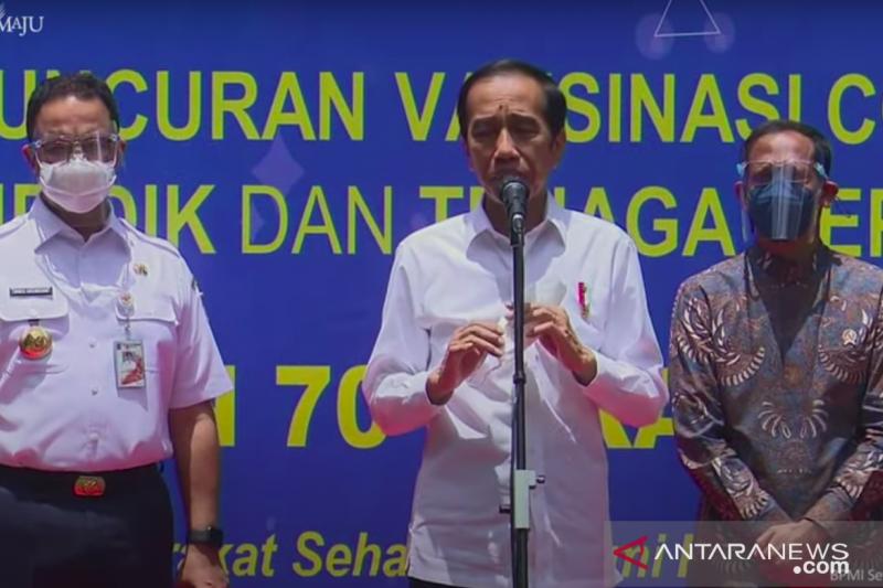 Presiden Jokowi berharap pendidikan tatap muka bisa dilakukan pada semester II