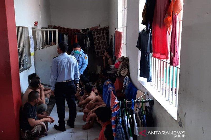Waduh, Lapas Pekanbaru ungkap seorang napi kendalikan narkoba dari penjara