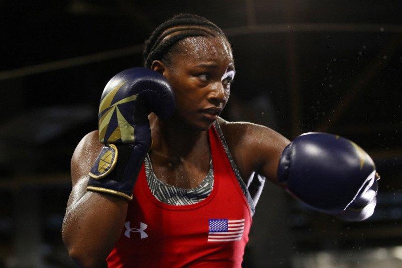 Juara dunia tinju putri ingin perempuan bisa bertarung 12 ronde