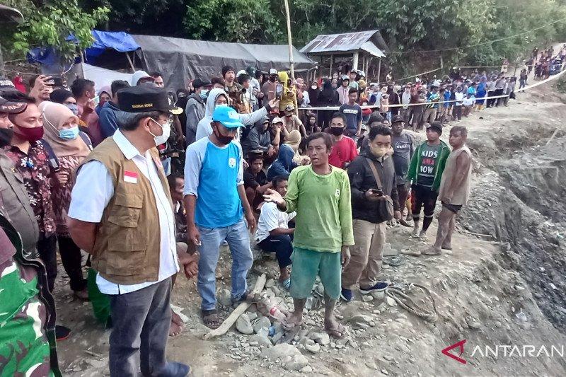 6 orang meninggal dunia,  Pemkab hentikan aktivitas tambang Buranga