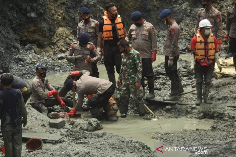SAR  upayakan proses evakuasi korban masih tertimbun longsor di Sulteng