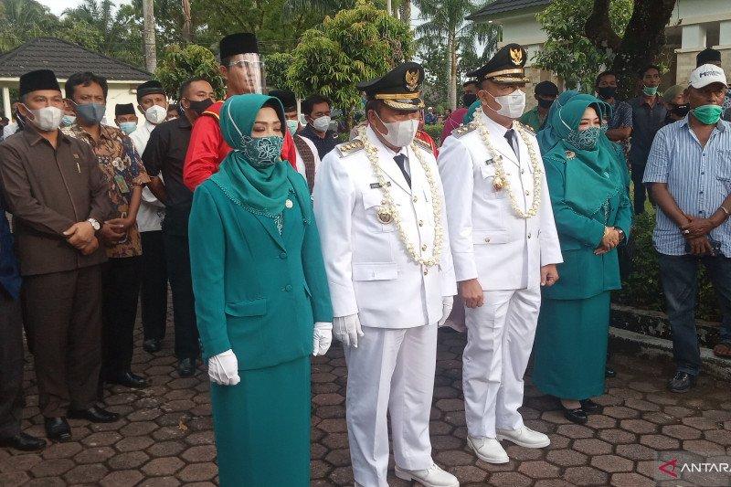 Bupati-Wakil Bupati Agam disambut tokoh masyarakat