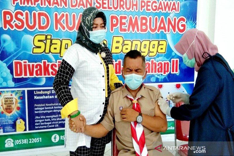 Ketua DPRD Seruyan selesaikan vaksinasi COVID-19 meski fobia jarum suntik