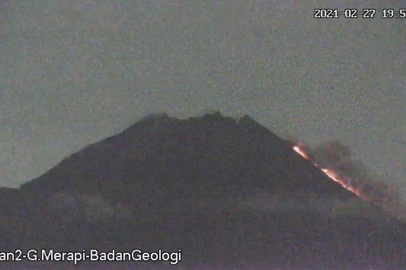 BPPTKG: Gunung Merapi meluncurkan awan panas guguran sejauh 1.000 meter