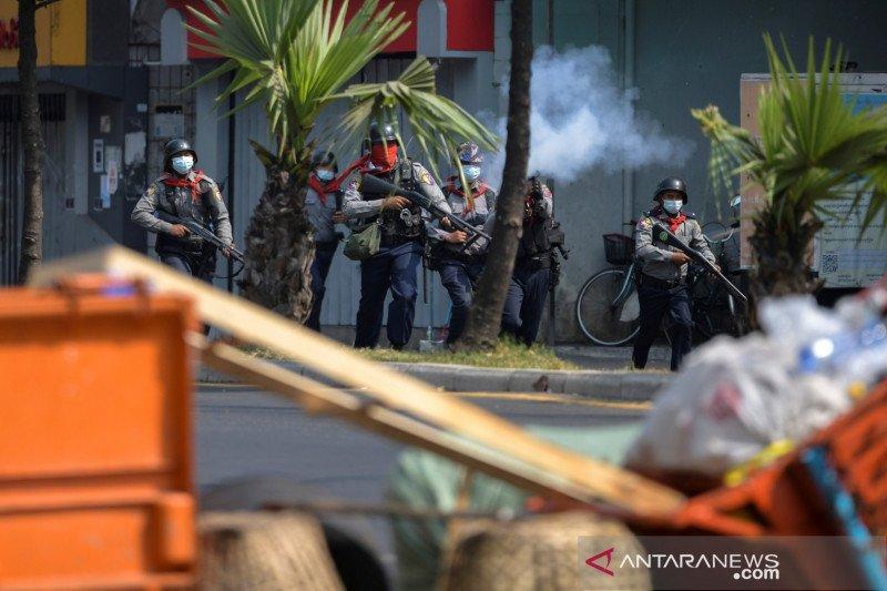 Polisi Myanmar tindak demonstrasi, satu orang dilaporkan tewas