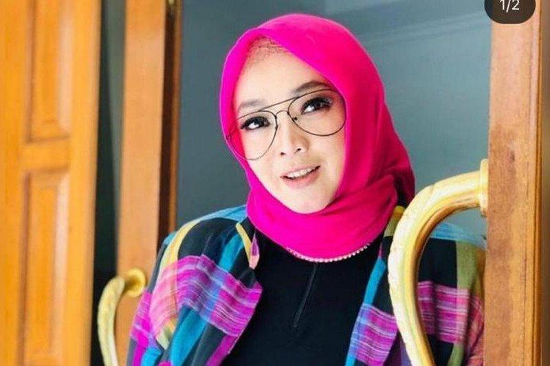 Rina Gunawan istri Teddy Syah meninggal dunia