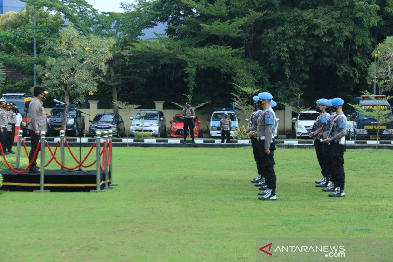 Kapolda Sumbar pecat tidak hormat tujuh anggota kepolisian dan satu PNS
