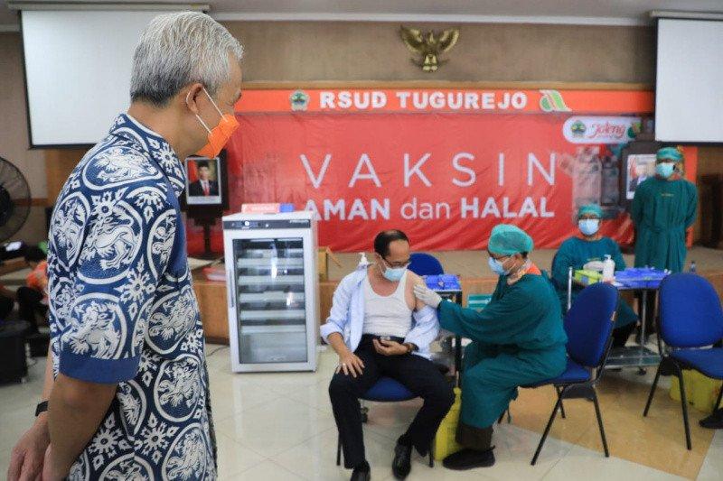Ganjar pastikan vaksinasi lansia di Jateng sudah berjalan