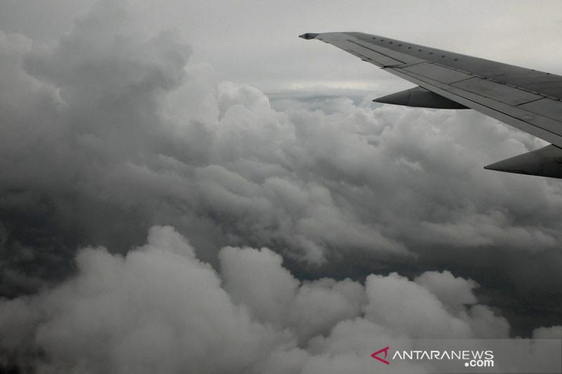 Sebagian wilayah Indonesia diprakirakan berawan  pada Rabu siang