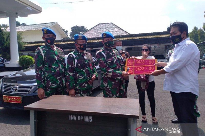 Perempuan pamer mobil berplat TNI palsu di medsos berdalih untuk 'gaya-gayaan'